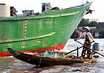Floating Market in Can Tho, Vietnam (5071426996).jpg
