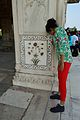 Floral Inlay Pillar Decoration - Diwan-i-Khas - Red Fort - Delhi 2014-05-13 3281.JPG