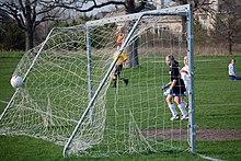 https://upload.wikimedia.org/wikipedia/commons/thumb/d/d0/Football_goal.jpg/220px-Football_goal.jpg
