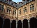 France-Lille-VieilleBourse-Cloitre.jpg