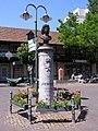 Friedrichsdorf TS Landgrafenplatz Denkmal.jpg