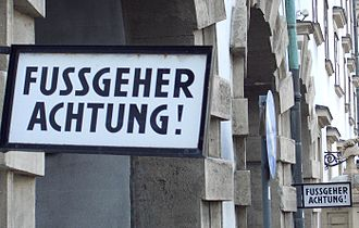 Austrian German - Image: Fußgeher Schild