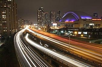Gardiner Expressway Toronto 2010.jpg