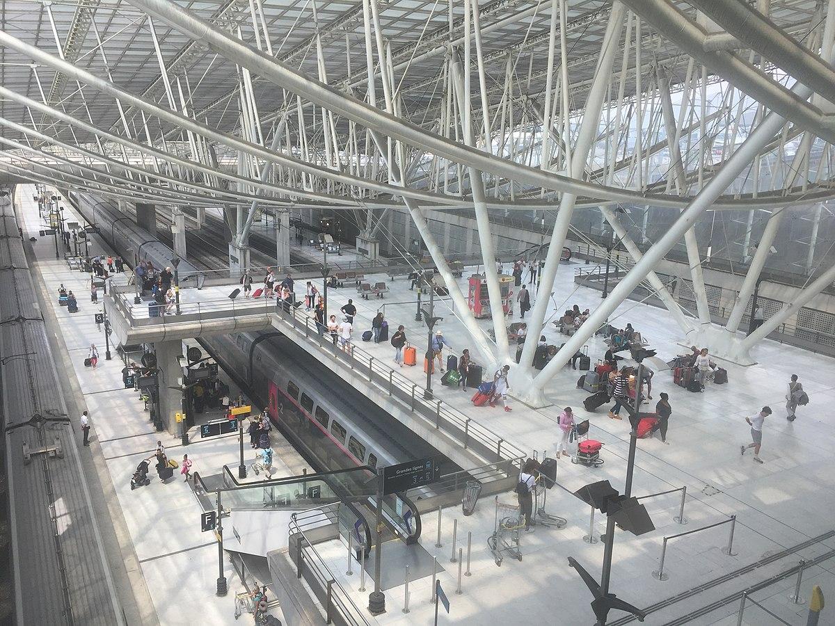 Garde Du Corps Marseille aéroport charles de gaulle 2 tgv - wikipedia