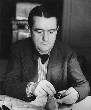 Rififi - Composer Georges Auric (pictured) and director Jules Dassin initially disagreed on whether to have music during the heist scene.