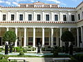 Getty villa, peristilio interno 04.JPG