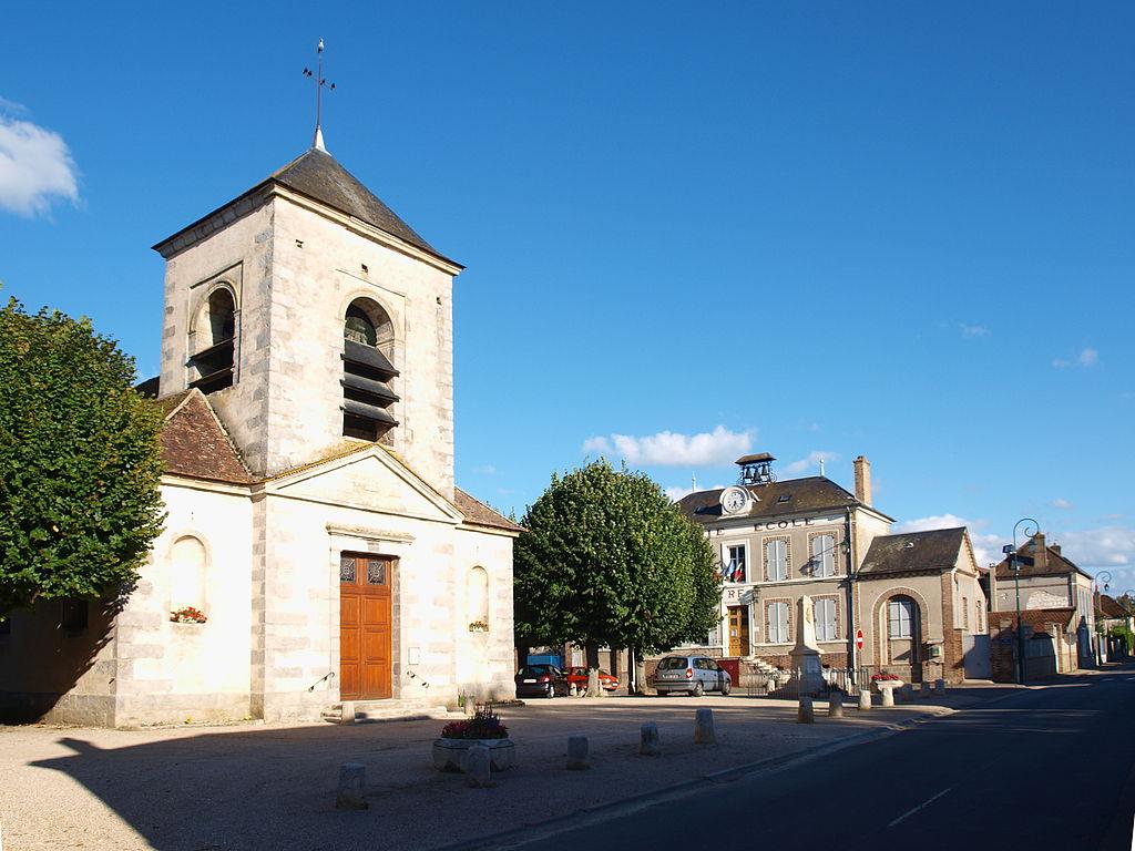 Par ordre alphabétique, des villes et des villages . - Page 11 1024px-Gisy-les-Nobles-FR-89-%C3%A9glise_paroissiale-01