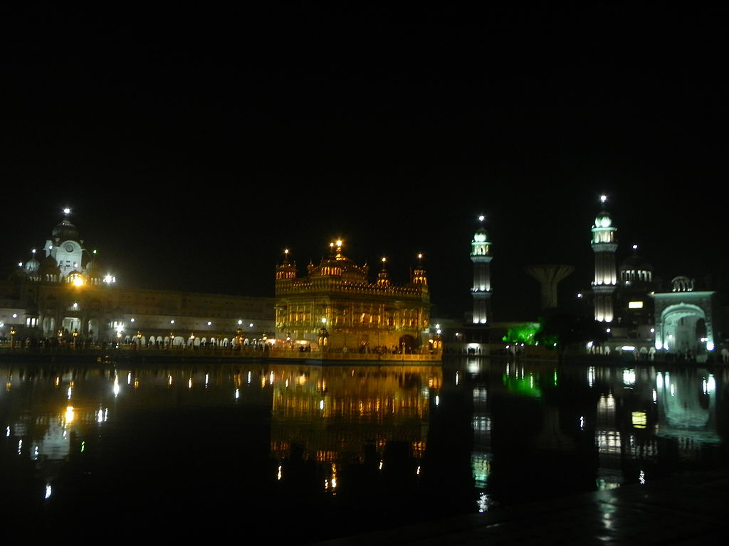 File Golden Temple Night View Jpg Wikimedia Commons