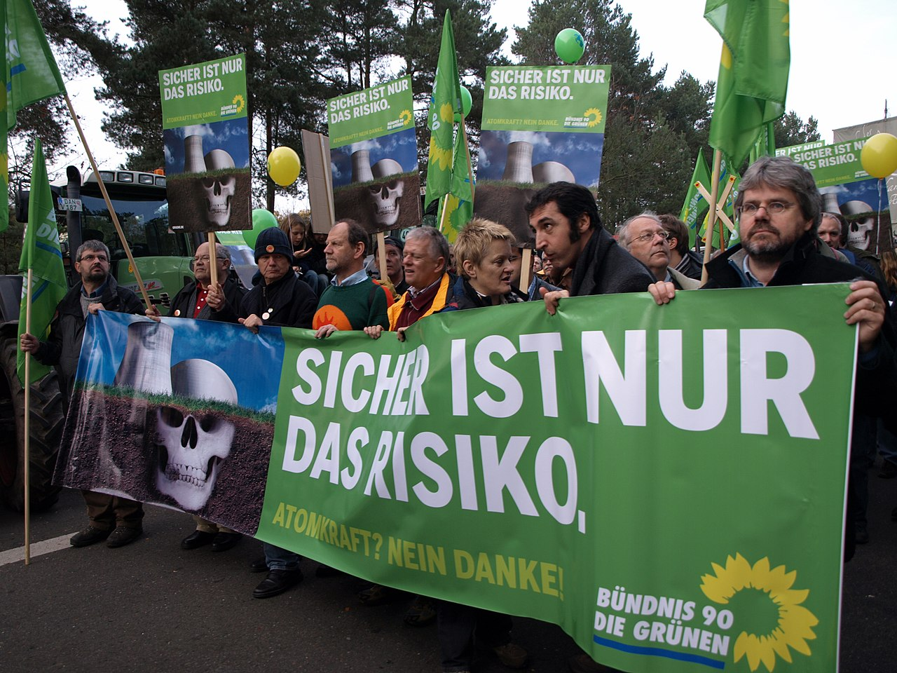 Grüne protests against nuclear energy.jpg