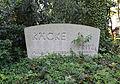 Grabmal Räcke, aufgelassener Friedhof Hermülheim.jpg