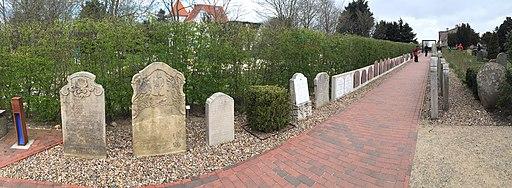 Gravestones in Amrum373