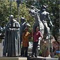 Grupo escultorico en homenaje a la fundacion de cochabamba.jpg