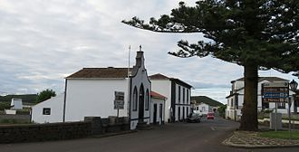 Guadalupe (Santa Cruz da Graciosa) - Main street of Guadalupe and Império of the Holy Spirit of Guadalupe