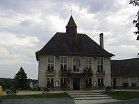 Hôtel de ville de Magnac-Laval.JPG