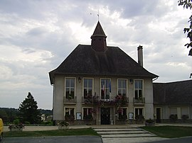 The town hall in Magnac-Laval