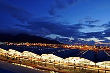 Hongkong-Kommunikationer-Fil:HKIA at night