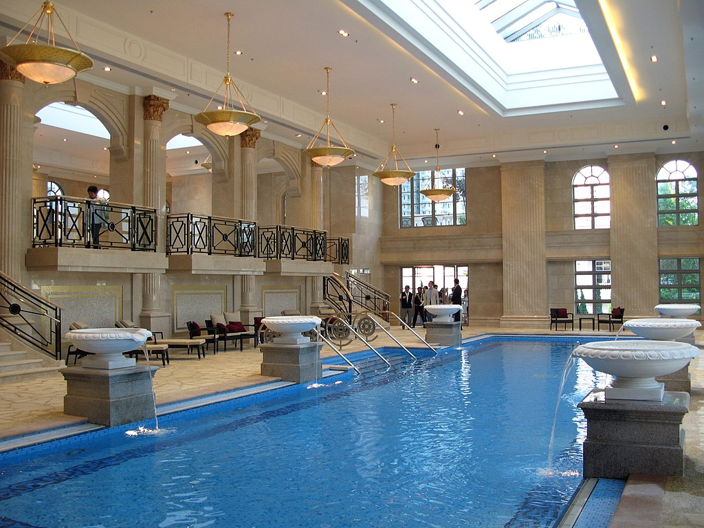 File:HK The Parazzo Indoor Pool.jpg - Wikimedia Commons
