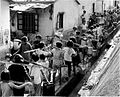 HK queue for water 1963.jpg