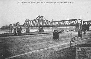 Long Biên Bridge - The bridge, not long after completion.