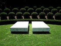 Herbert Hoover-Gravesite.jpg