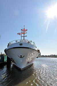 Hermann Helms (ship, 1985) 2012 05-by-RaBoe 15.jpg