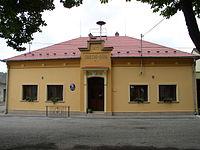 Hnojice Obecni Urad 2005.JPG