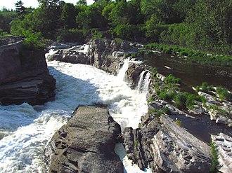 Hog's Back Falls - Lower falls in summer