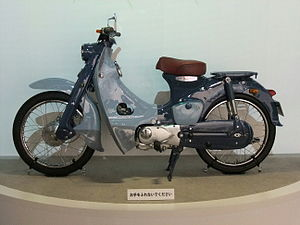 Honda Super Cub - Image: Honda super cub, 1st Gen. 1958, Left side