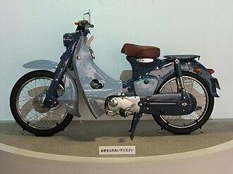 Honda Super Cub - Image: Honda super cub, 1st Gen. 1958, Left side
