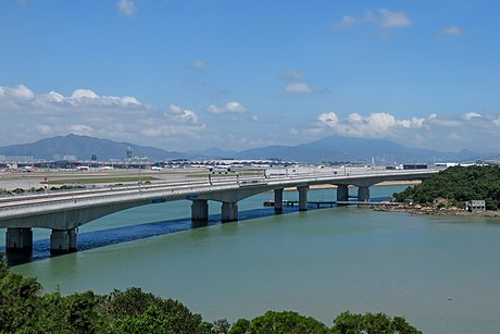 Hong Kong-Zhuhai-Macau Bridge at Sha Lo Wan (20180918131126).jpg