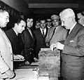 Illia votando en 1963.jpg