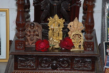 English: Idols of Indian deities