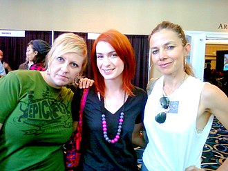 Justine Bateman - Bateman with Irina Slutsky (left) and Felicia Day at IAWTV meeting during Digital Hollywood 2009.