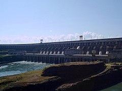 Represa de Itaipú desde el lado brasileño.
