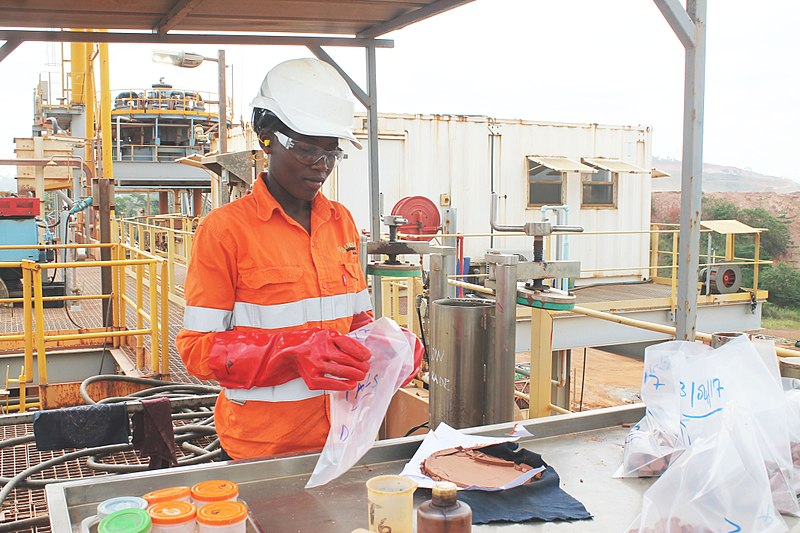 File:Ivorian Women in Mining Industryː the busy and strong process operator.jpg