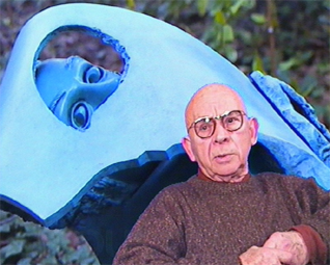 Jean-Robert Ipoustéguy - Ipoustéguy in front of Été 94 (Summer 94, photographed in 1995)