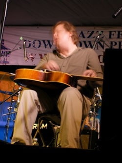 Jeff Healey dal vivo a Peterborough, Ontario, nel 2007