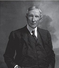 John D Rockefeller 1900.jpg