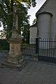 Kříž před kostelem, Drahanovice, okres Olomouc.jpg