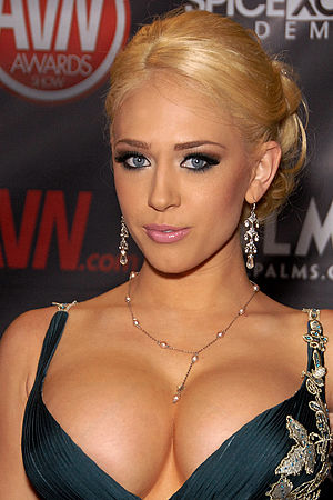 27th AVN Awards - Kagney Linn Karter, winner of the 2010 AVN Best New Starlet Award