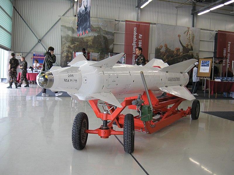 تعرف على النسخه الاحدث من مقاتلات Su-25 ..........المقاتله Su-25 SM3 800px-Kh-29L_%281%29