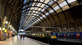 Kings Cross Station Platforms, London - Sept 2007.jpg