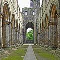 Kirkstall Abbey (26666005554).jpg