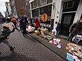 Koningsdag in Amsterdam, Tweede Rozendwarsstraat foto 4.JPG