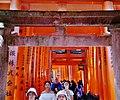 Kyoto Schrein Fushimi-Inari-taisha Torii 04.jpg