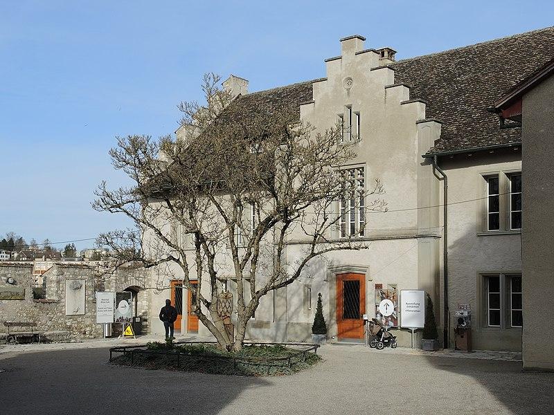 File:Laufen-Uhwiesen - Schloss 2013-01-31 14-41-41 (P7700).JPG