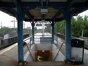 Cedarhurst Cut-off - Springfield Junction as seen from Laurelton Station on the Atlantic Branch