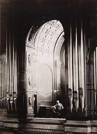 Léon Boëllmann - Léon Boëllmann at the organ of Saint-Vincent-de-Paul church, Paris