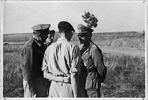 Kurt Freiherr von Liebenstein - Liebenstein (right) with Lieutenant General Bernard Freyberg (left), commander of the 2nd New Zealand Division, and Brigadier Graham after the surrender of Axis forces in Tunisia