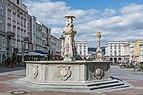 LinzHauptplatz Neptunbrunnen 09 2015.jpg